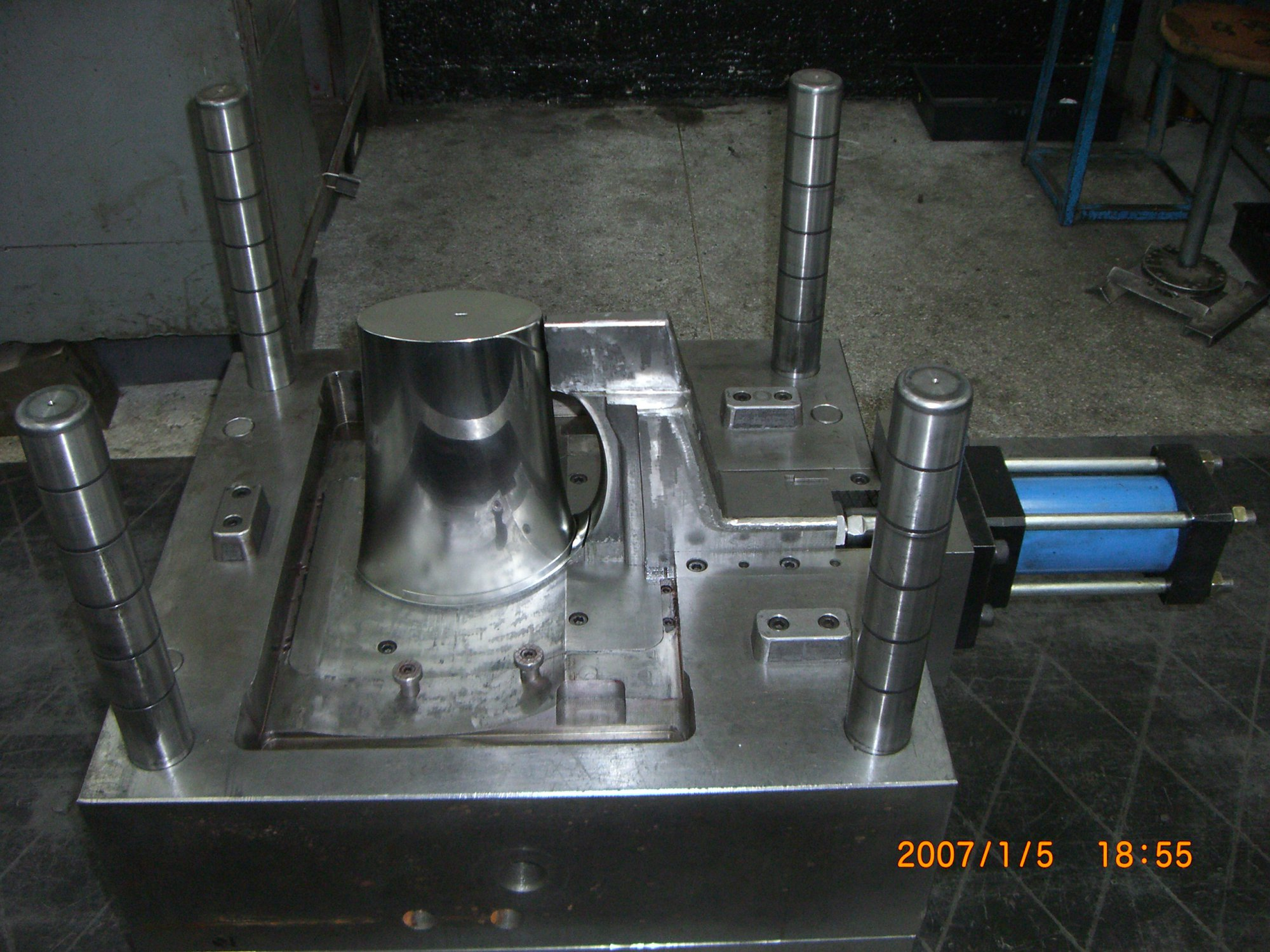 Plastic Injection Moulds 004